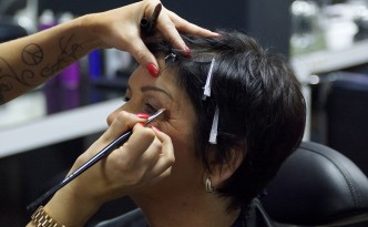 Beauty-Serie - Schminktipps: Make-up Schlupflider - Augenringe - Angelika 06 - FemNews.de