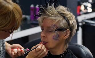 Beauty-Serie-FemNews.de-Schminken-Frisuren-Karneval-Blumenranke-34