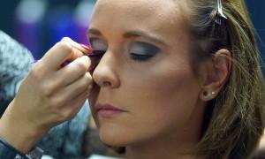 FemNews.de - Beauty Serie - Schminktipps - Karnevals Make-up - 20er Jahre - 39