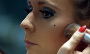 FemNews.de - Beauty Serie - Schminktipps - Karnevals Make-up - 20er Jahre - 46