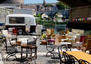 Entlang des Tiberufers kannst du schöne Abende mit Live-Acts und Outdoor-Gastronomie geniessen. Foto:ready4FotoDesign.de für FemNews.de