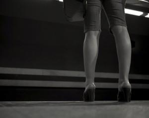 Wähle besser flache Schuhe für den Heimweg - FemNews.de