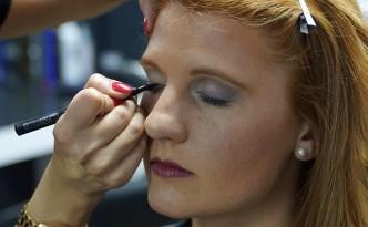 FemNews.de - Beauty-Serie - Schminktipps - Party-Make-up-Silvester-Swenja-09