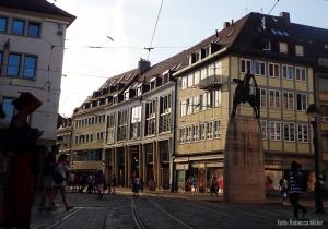 Ein gut ausgebautes Straßenbahnnetz zieht sich durch die Innenstadt - FemNews.de