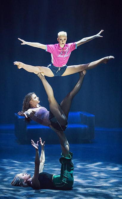 Kraftvolle Girlpower und akrobatische Spitzenleistung faszinieren die Zuschauer.