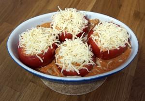 Mahlzeit - Gefüllte Tomaten - Fertig für den Ofen - FemNews.de