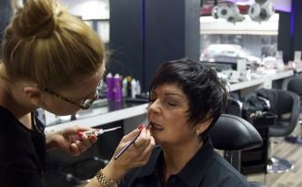 Beauty-Serie - Schminktipps: Make-up Schlupflider - Augenringe - Silvester-Make-up - Angelika 07 - FemNews.de