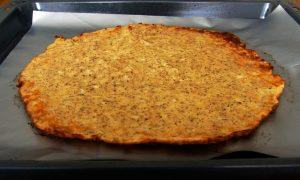 Mahlzeit - Rezept - Low Carb - Flammkuchen - Der Teig vorgebacken - FemNews.de
