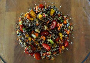 Mahlzeit - Rezept - Quinoa-Salat - Fertig ist der kraftspendende Salat - FemNews.de